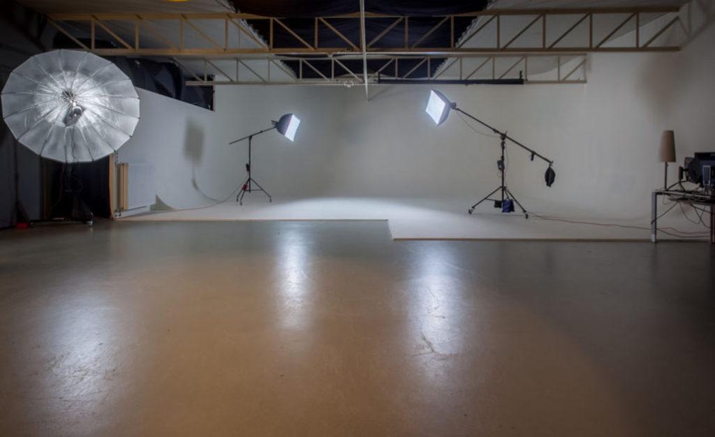 Geblindeerde en lichtvrije fotostudio foto 2